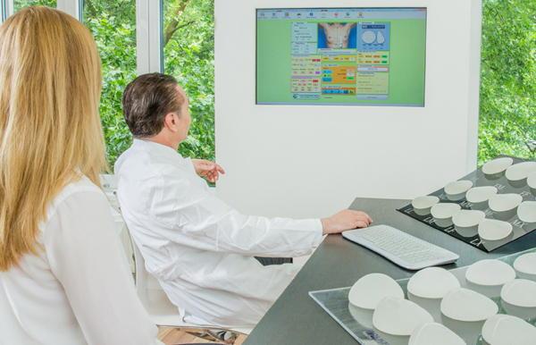 Computergestützte Brustimplantat-Auswahl